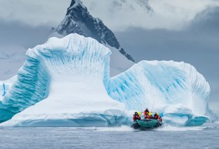 oat-wilhelmina-bay-antarctica-hgr-118181--photo_karsten_bidstrup